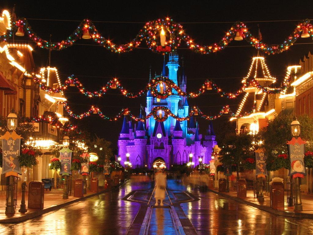 Disney world christmas decorations 2014 - Disney Christmas Decorations